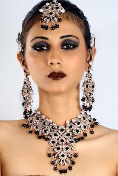 Affordable Bollywood Jewelry at very affordable price