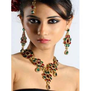 Enchanting Indian Fashion jewelry Bollywood Jewelry at very affordable price