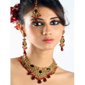Carved Elegantly With Exquisite Workmanship Bollywood Jewelry at very affordable price