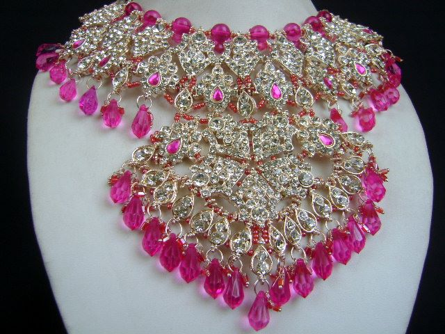 Carved Elegantly With Exquisite Workmanship Bridal Jewellery at very affordable price