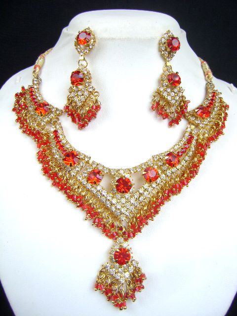 Unique Design Costume Necklace Set at very affordable price