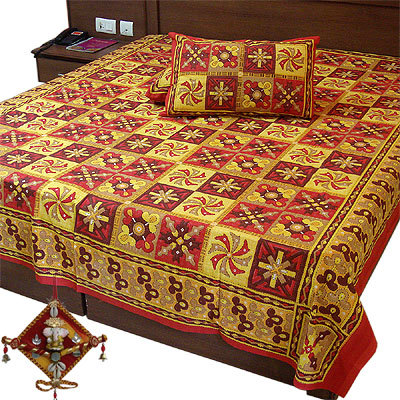 Bedsheet With Matching Pillows Covers