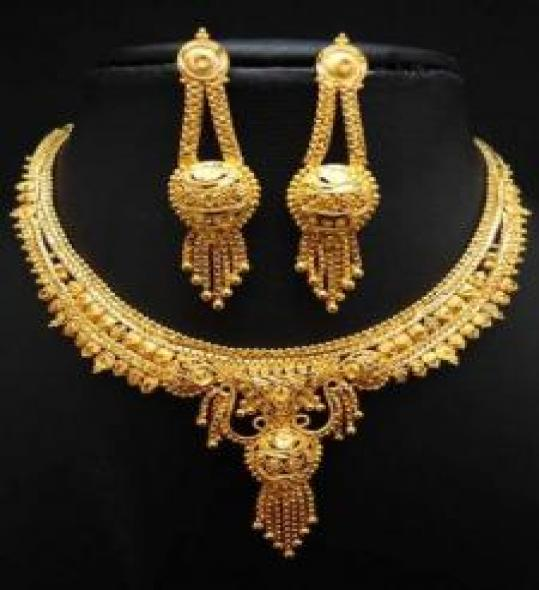 Attractive Designs Gold Plated Jewelry Set