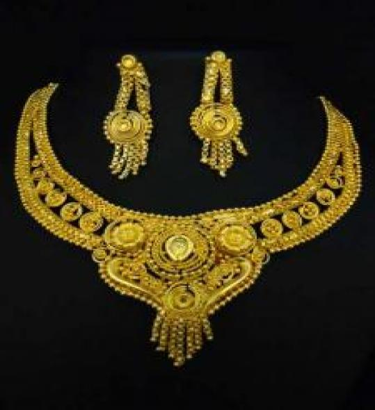 Enchanting Indian Fashion jewelry Gold Plated Jewelry Set