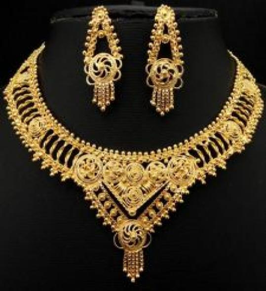 Carved Elegantly With Exquisite Workmanship Gold Plated Jewelry Set