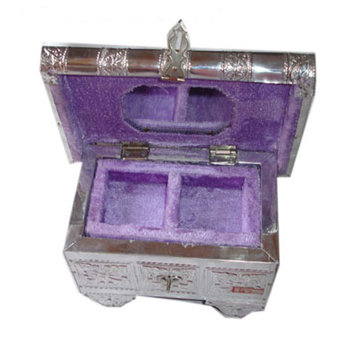 Trendy Artisans Crafted Jewellery Box