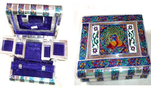 Charming Artisans Crafted Jewellery Box