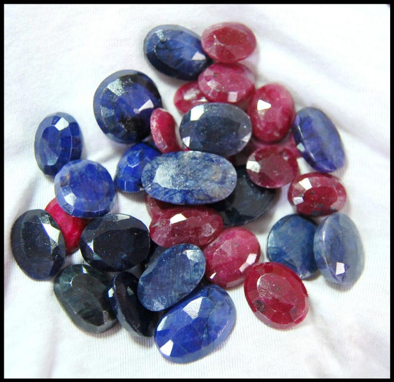 African Sapphire, Ruby Mix Gemstones Lot - Mix Gemstones Manufacturer & Exporter USA