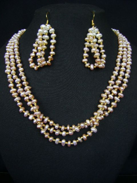 Attractive Designs Pearl Necklace Set at very affordable price