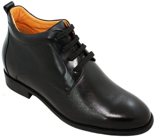 Buy Footwear Online That Gives You Extra Height