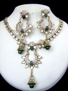Unique Design Victorian Necklace Set at very affordable price
