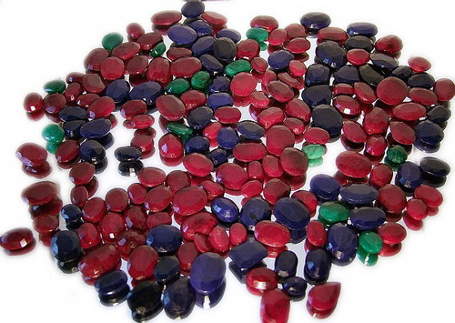 Ruby, Emerald & Blue Sapphire wholesale Lots - Wholesale Ruby, Emerald & Blue Sapphire Lot